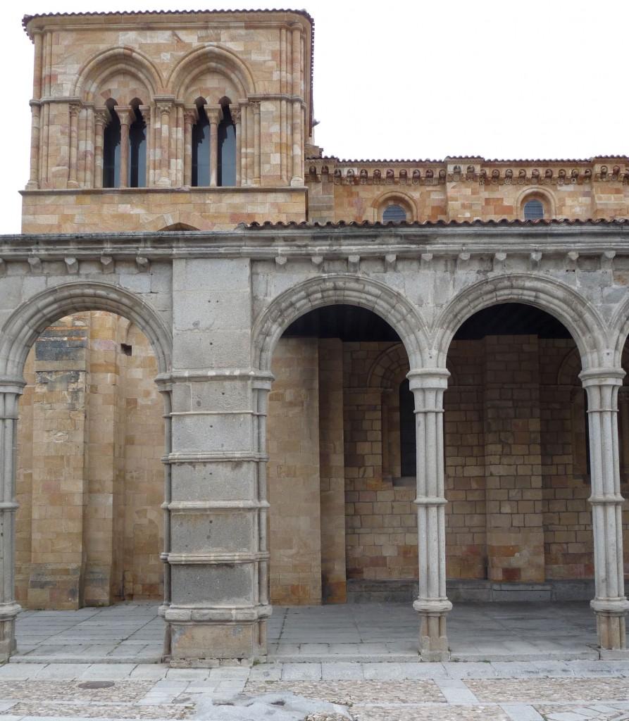 Basílica de San Vicente en Ávila - Detalle del pórtico sur