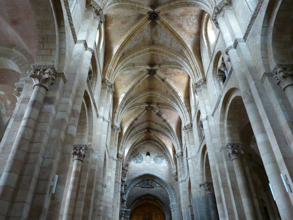 Basílica de San Vicente en Ávila - Nave central