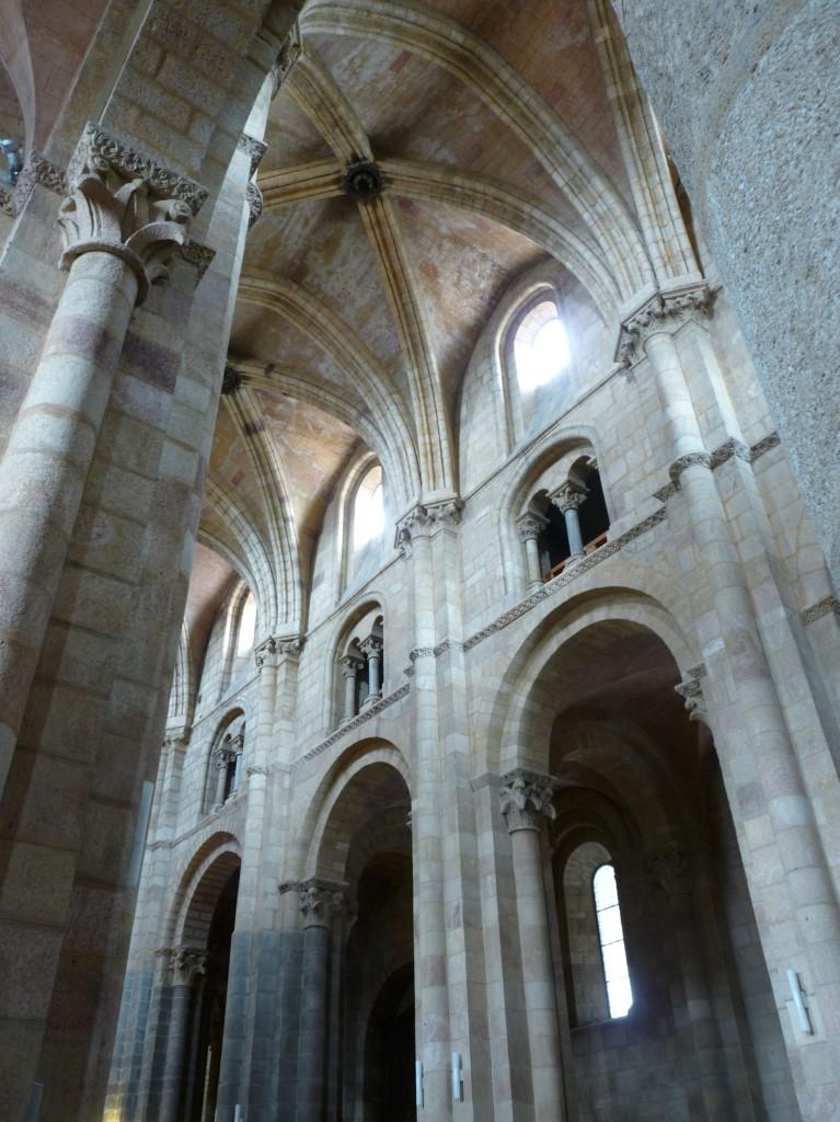 Basílica de San Vicente en Ávila - Nave central 2
