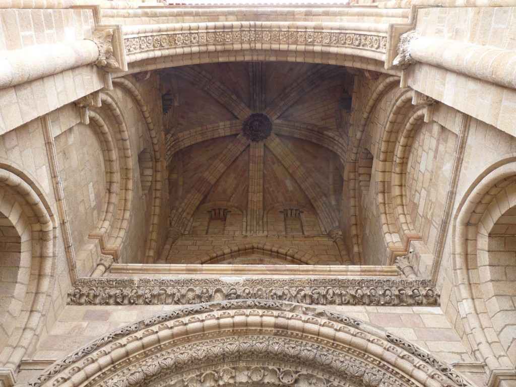 Basílica de San Vicente en Ávila - Nartex