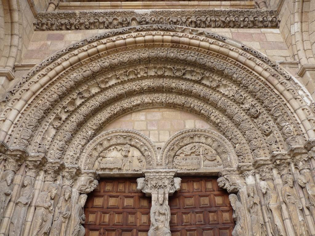 Basílica de San Vicente en Ávila - Detalle de portada oeste