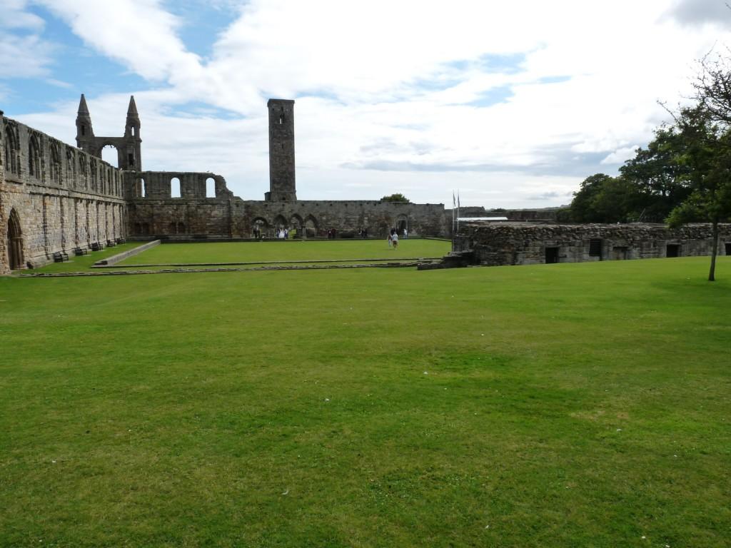 Saint Andrews Cathedral - Vista del claustro