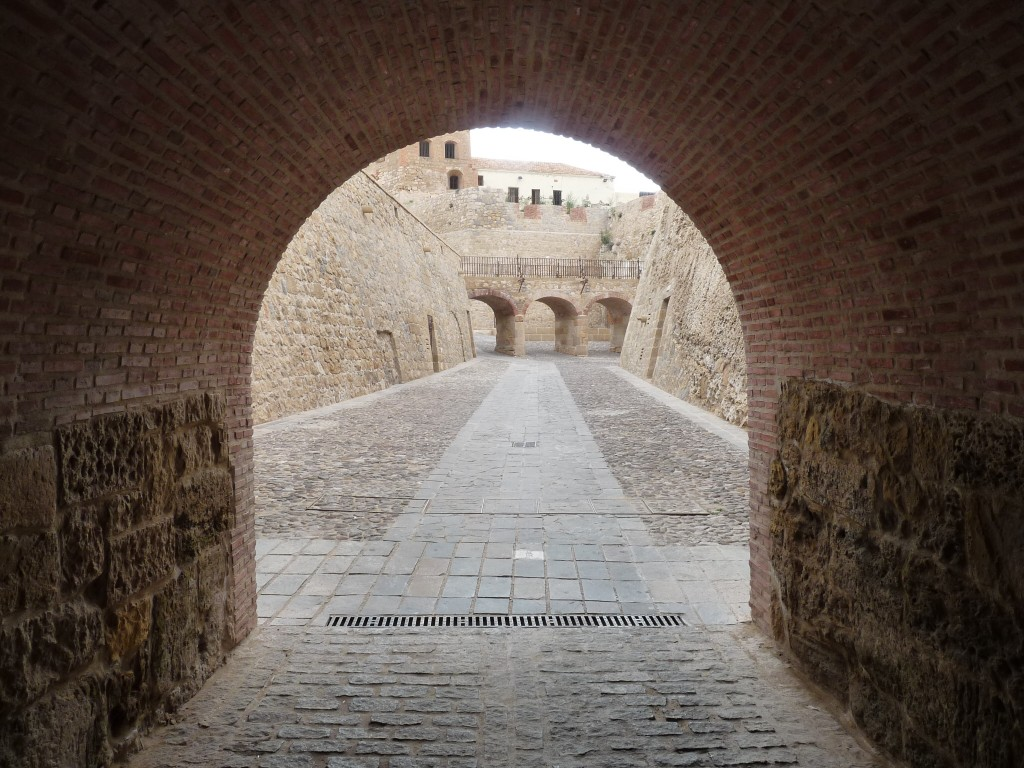 Melilla - Acceso por el foso del Hornabeque
